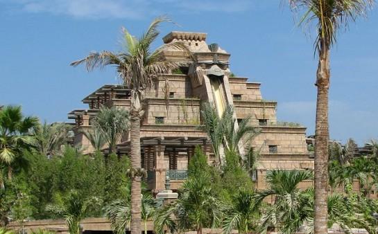 Висящите градини на Вавилон - един от старите седем чудеса на света