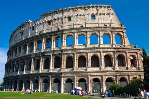 Колизеумът в Рим.