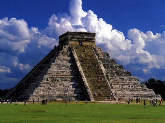 Чичен Ица - пирамидата на маите