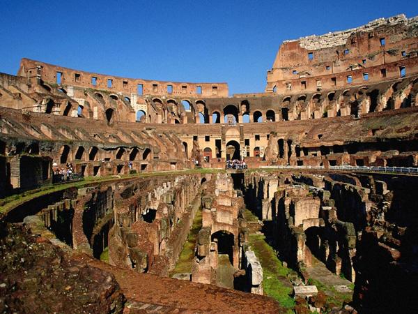 Изглед на Колизеума отвътре