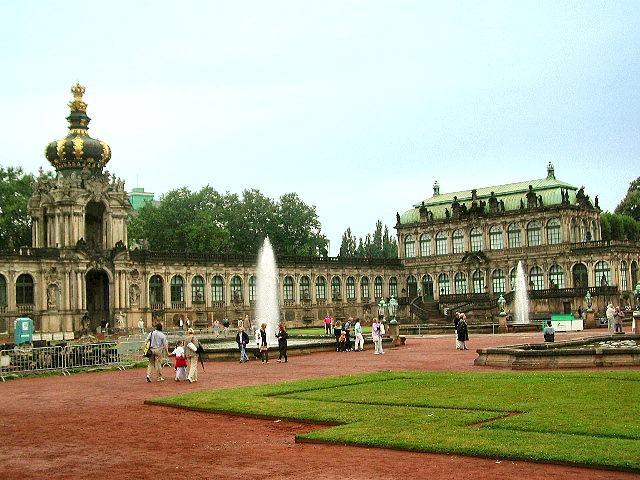 Музеят Цвингер в Дрезден е един от най - големите в Германия