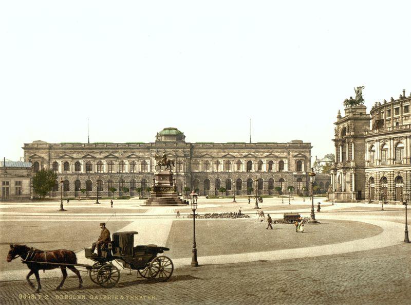 Така е изглейдал  музеят Цвингер в Дрезден преди.