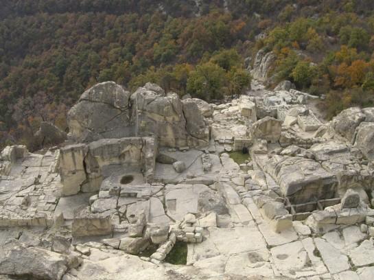 Снимка на скалния град Перперикон