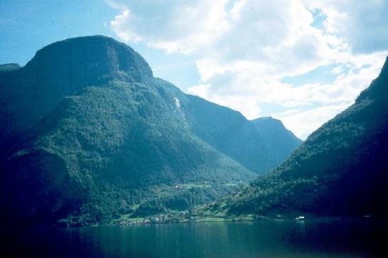 Фиордите в Норвегия ни впленяват с красотата си.