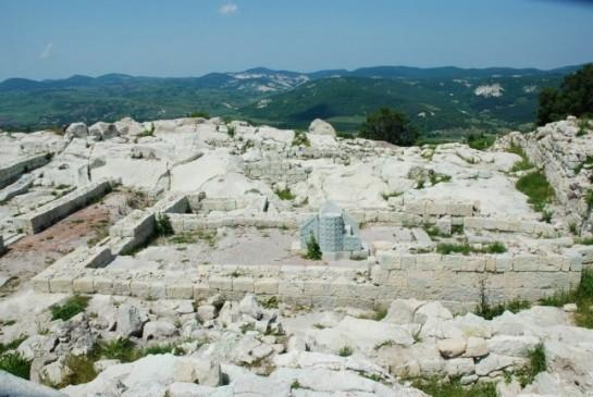 Най - ранната църква в Южна България е разкрита в Перперикон