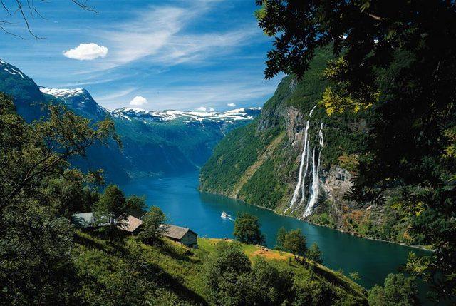 Изключително красив пейзаж в Норвегия