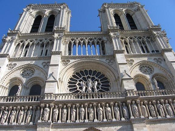"""Нотр дам – """"Парижката Света Богородица"""""""