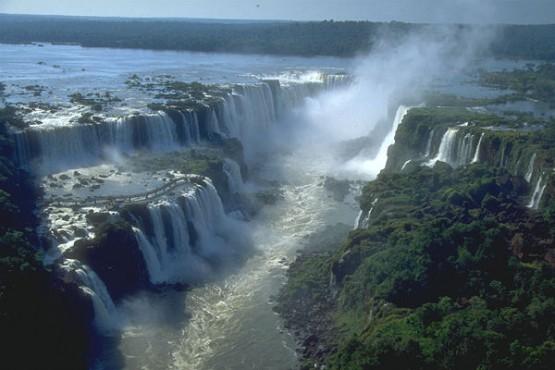 Гледката на водопада е фантастична