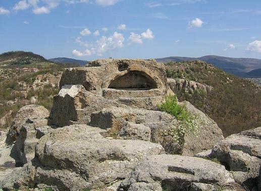 Тракийското светилище при с. Татул, Момчилградско