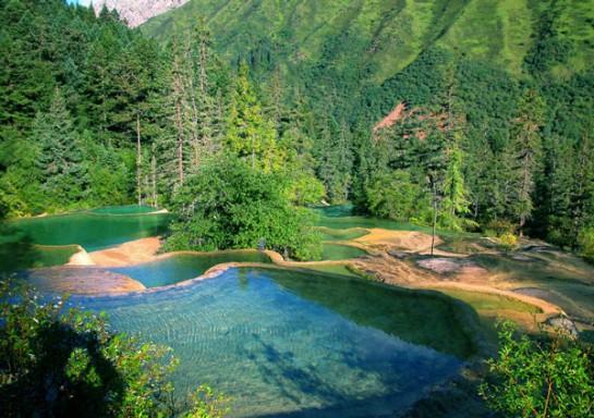 Езеро в долината Цзючжайгоу - Китай