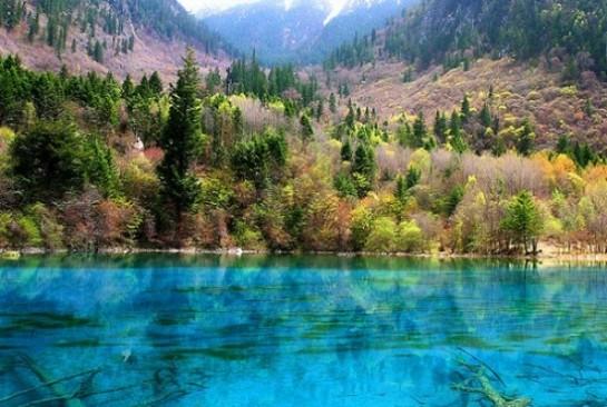 Туркуазено езеро в долината Цзючжайгоу