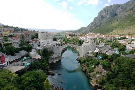 Изглед към моста Мостар