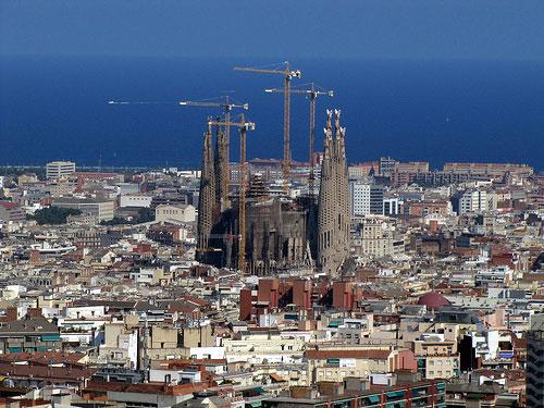 Саграда Фамилия в Барселона - изглед отдалече